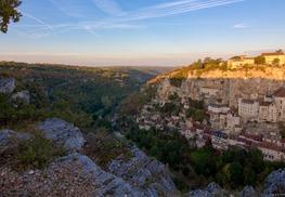 Lever du soleil sur Rocamadour et le canyon de l'Alzou